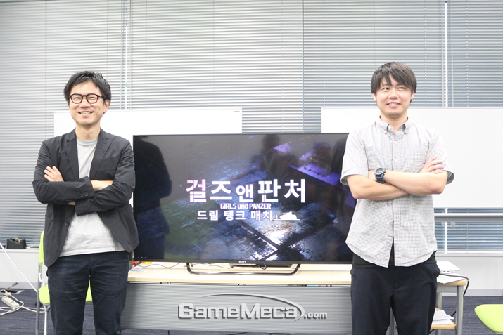 사타케 신야 치프 프로듀서(좌)와 마타노 켄타로 프로듀서(우) (사진출처: 게임메카)