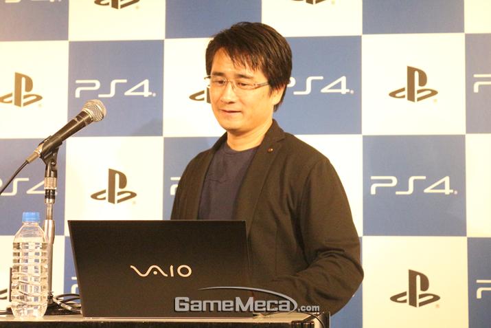 직접 게임을 소개한 스즈키 아키히로 프로듀서 (사진출처: 게임메카 촬영)