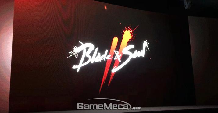 아직까지는 간단한 로고와 티저 영상만 공개된 '블레이드앤소울2' (사진: 게임메카 촬영)