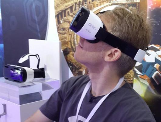 오큘러스 리프트는 30만원 대, 삼성 '기어 VR' 얼마?