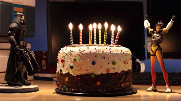오버워치 2살 기념으로 트레이서가 케이크 만들었어요