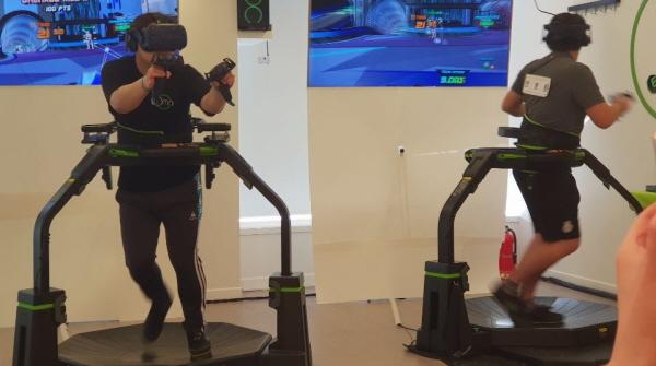 [멀미왕] 옴니 트레드밀 만난 VR e스포츠, ...